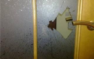 Как вставить стекло в деревянную дверь?