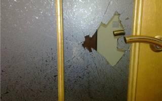 Как заменить стеклянную вставку в двери?