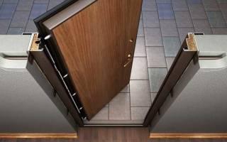 Как правильно вставить входную железную дверь?