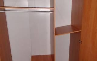 Как укрепить шкаф чтобы он не шатался?
