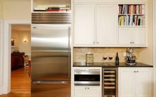 Как спрятать холодильник в комнате