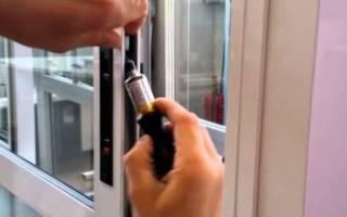 Как починить пластиковую дверь?