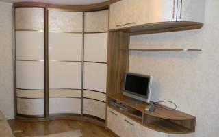 Радиусный шкаф купе угловой вогнутый внутри
