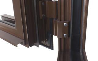 Как заменить петлю на пластиковой двери?