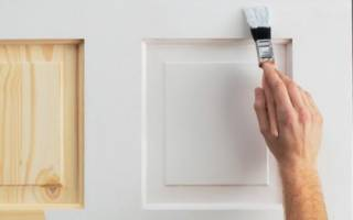 Чем лучше красить деревянные двери?