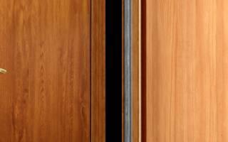 Как отличить правую и левую дверь?