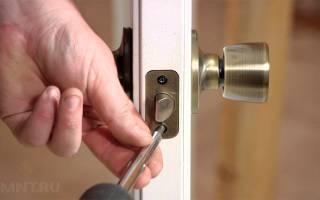 Как врезать дверную ручку в межкомнатную дверь?