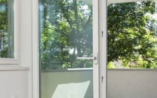 Чем отличается балконная и входная пластиковая дверь?