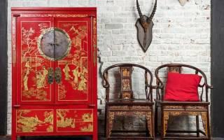 Как преобразить старый шкаф?