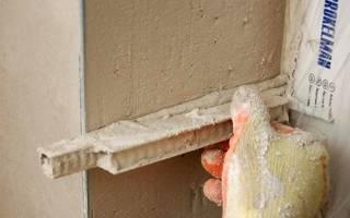 Чем замазать откосы после установки двери?
