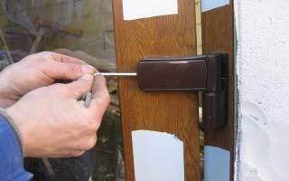 Как устранить перекос пластиковой двери?