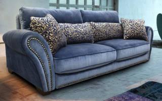 Как чистить велюровый диван?