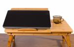 Столик под ноутбук на кровать