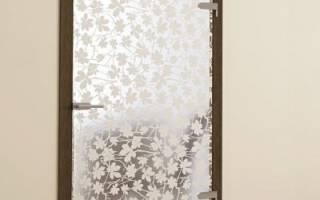 Как задекорировать стеклянную дверь?