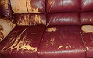 Как починить диван из кожзама