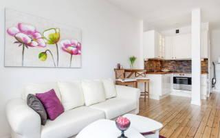 Белая кухня гостиная дизайн фото